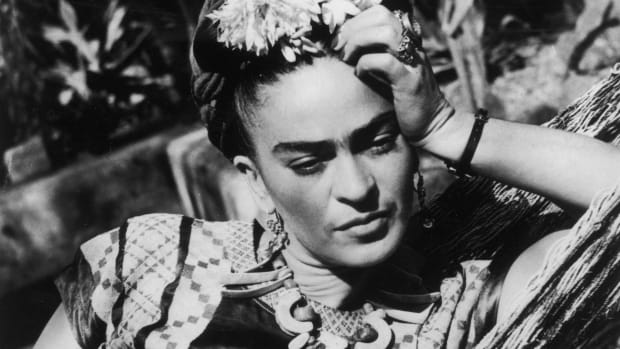 Frida Kahlo: Frida was a sexually liberated woman who engaged in love affairs with women, even during her marriage to artist Diego Rivera.