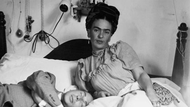 Frida Kahlo - Mini Biography