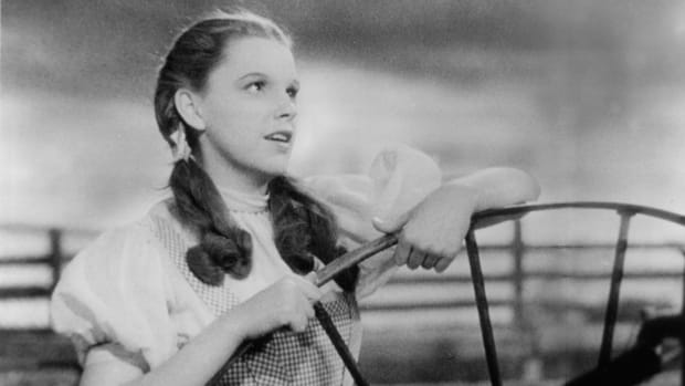 Judy Garland in a scene from the film 'The Wizard Of Oz',