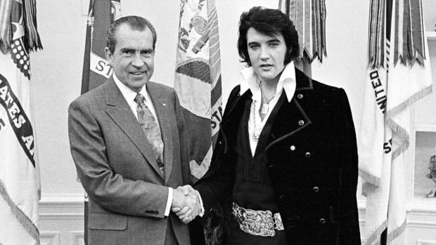 Richard Nixon and Elvis Presley December 21, 1970 at the White House