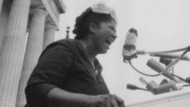 Mahalia Jackson singing at the Lincoln Memorial during 'Prayer Pilgrimage for Freedom' in Washington, D.C. in 1957