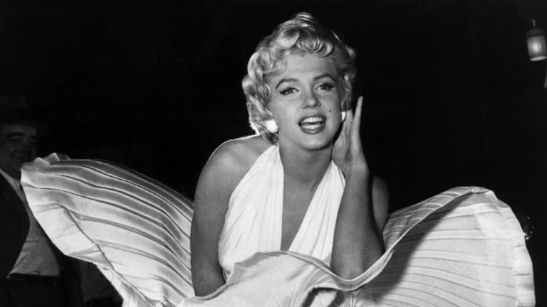 Behind-the-Scenes of Marilyn Monroe's Iconic Flying Skirt (PHOTOS)