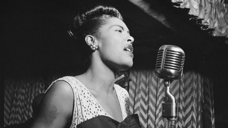 Billie Holiday – Strange Fruit Lyrics