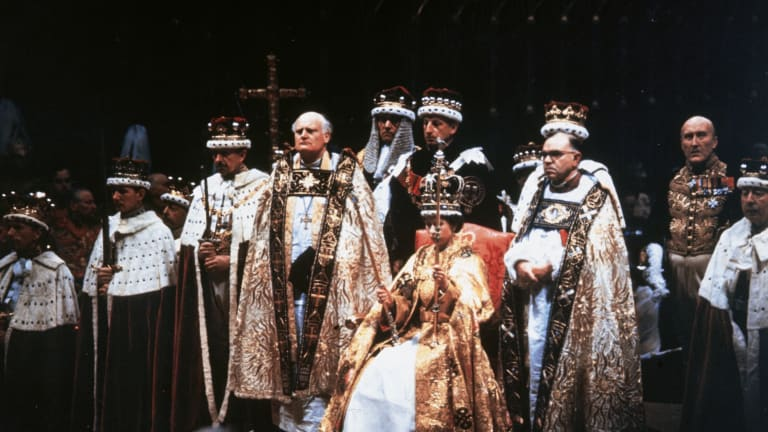 10 Photos of the Queen Elizabeth II's Historical Coronation