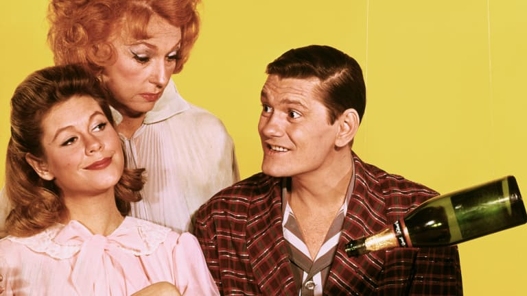 Dick York: The Real Reason He Suddenly Left 'Bewitched'