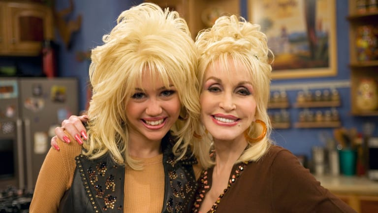 Miley Cyrus and Dolly Parton: The Unbreakable Bond Between the Music Superstars