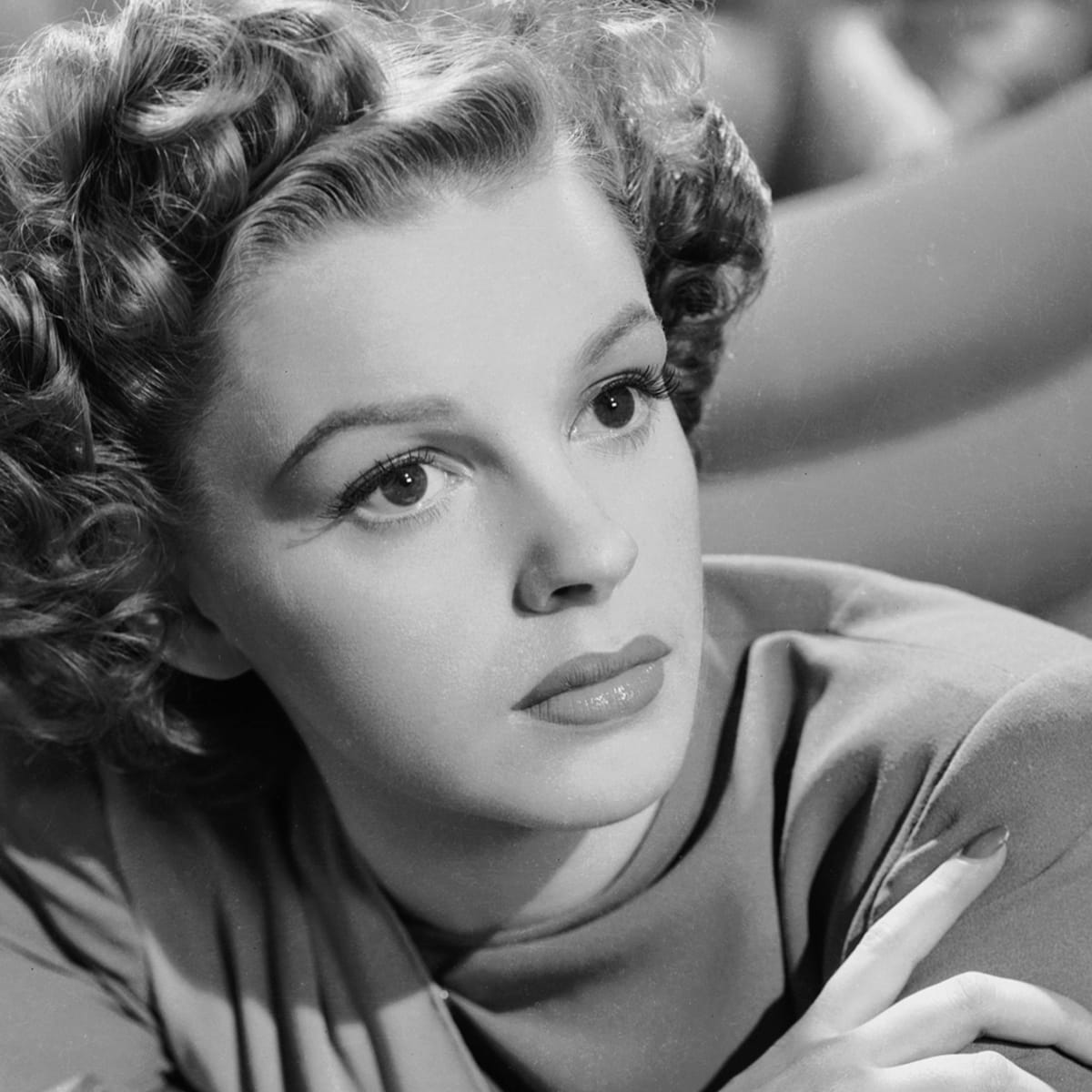 Inside Judy Garland S Troubled Youth Biography