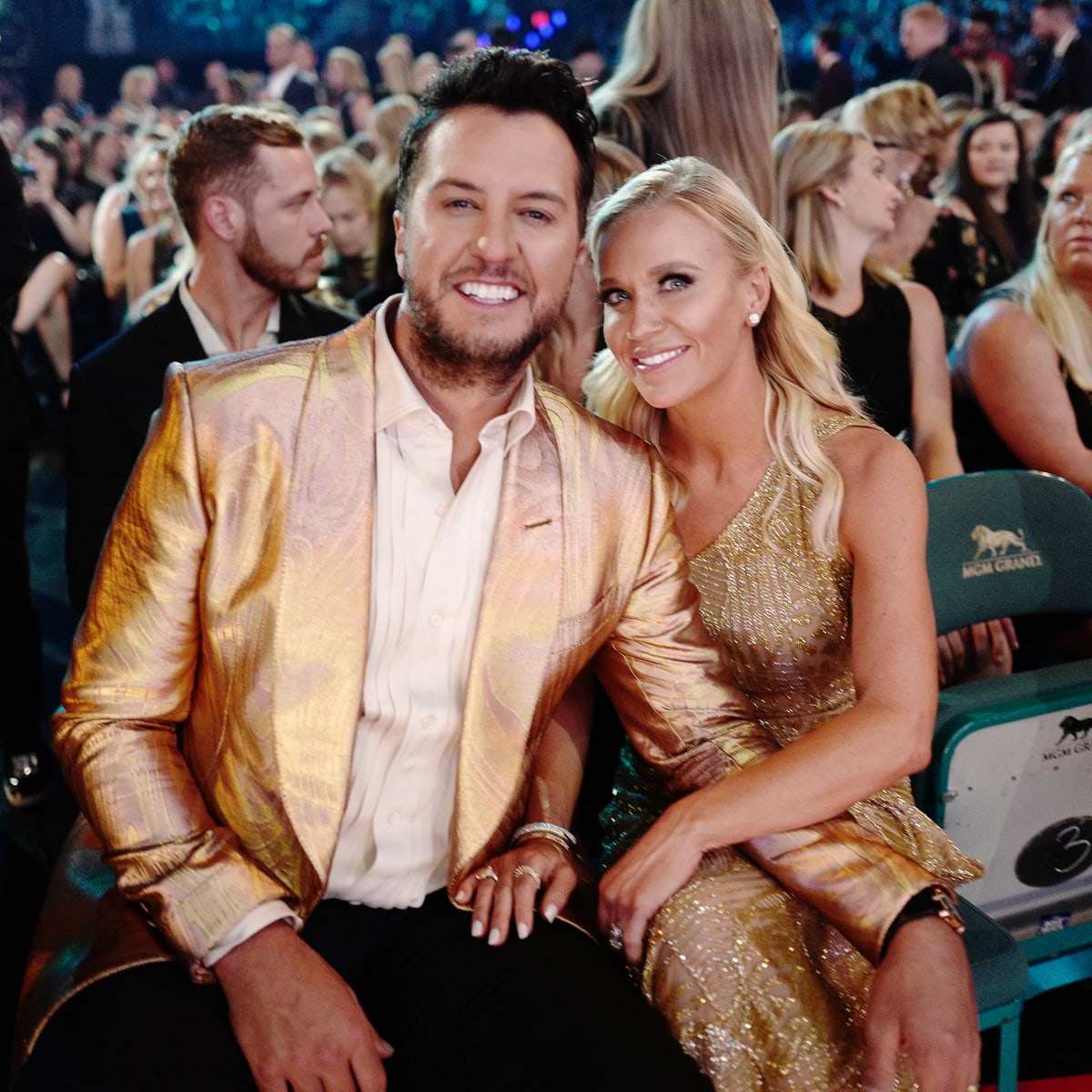 Luke Bryan S Sister Passed Away Suddenly So He And His Wife