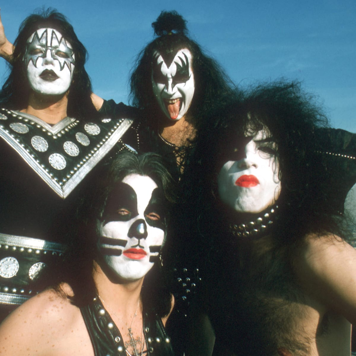 When Kiss Wiped Away Their Iconic Face Paint In 1983 Fans Hated The New Look Biography