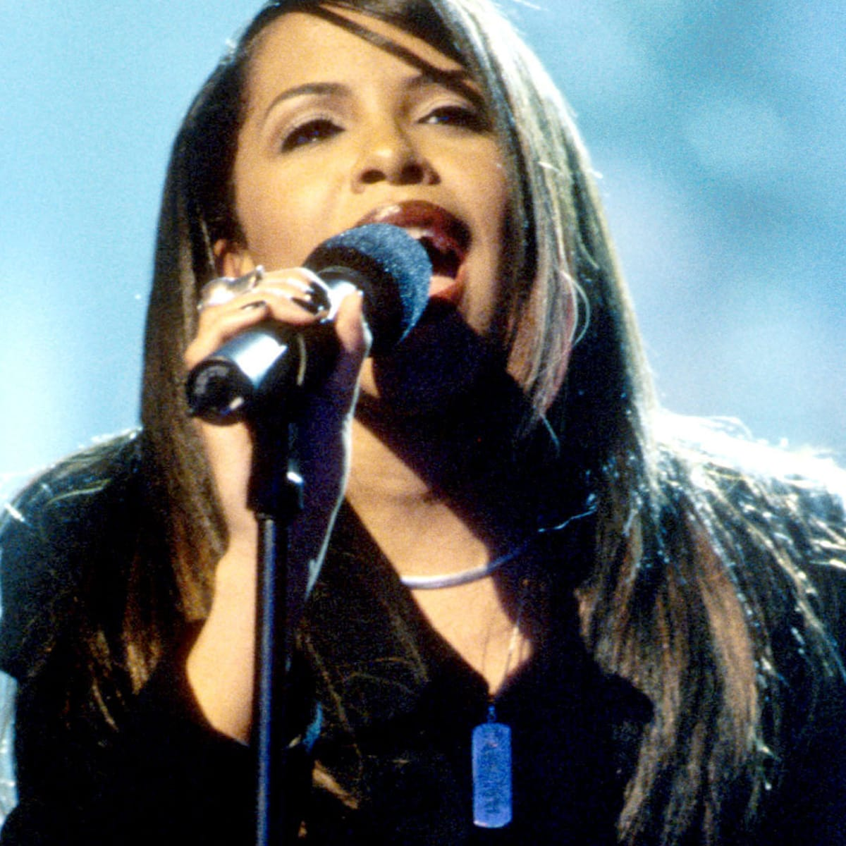 Inside The Plane Crash That Took Aaliyah S Life Biography