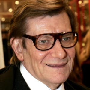 Yves saint laurent fashion designer biography for Miroir yves saint laurent