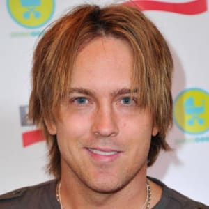 The 47-year old son of father (?) and mother(?) Larry Birkhead in 2020 photo. Larry Birkhead earned a  million dollar salary - leaving the net worth at  million in 2020