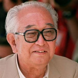 a biography of akira kurosawa a japanese director Akira kurosawa was an unsuccessful painter who turned to making movies in japan in the late 1930s he got the attention of the rest of the world in 1951, with rashomon , his first of many films to star toshiro mifune.