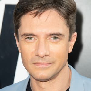 Topher grace fisting photos 26