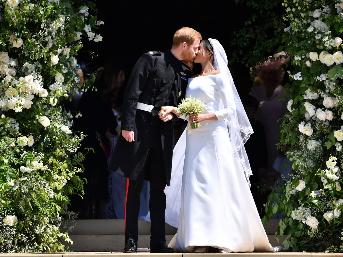 How Meghan Markle And Prince Harry S Wedding Was Different From Queen Elizabeth Ii S Biography