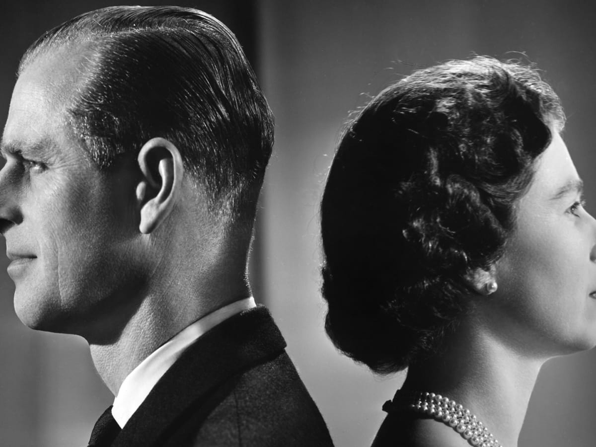 queen-elizabeth-ii-and-prince-philip-duke-of-edinburgh-pose-for-a-portrait-at-home-in-buckingham-pal