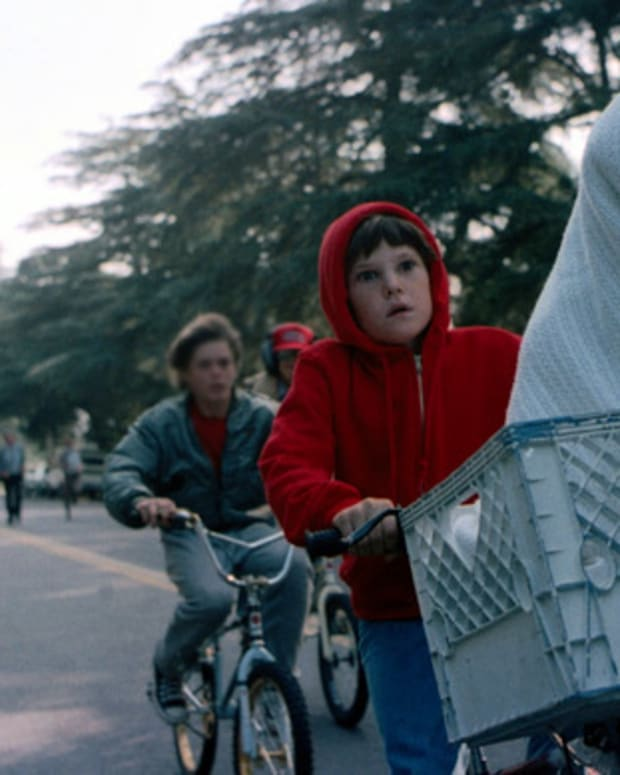 Where Are They Now: Henry Thomas played the role of lonely 10-year-old Elliot in E.T. The Extra-Terrestrial (1982). After filming, he returned to his hometown in Texas to focus on school.