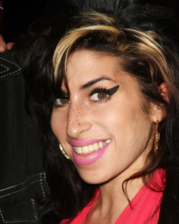Amy-Winehouse-244469-2-402(2)