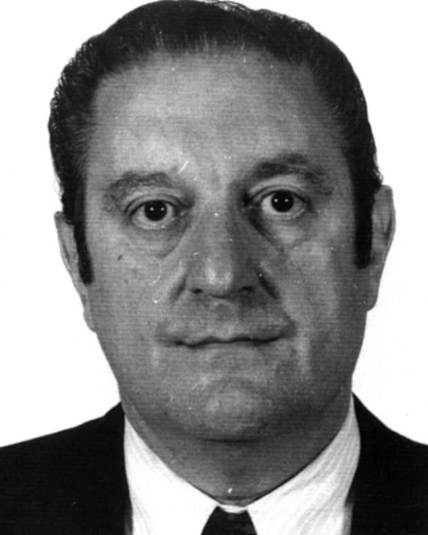 Paul-Castellano-329028-1-402