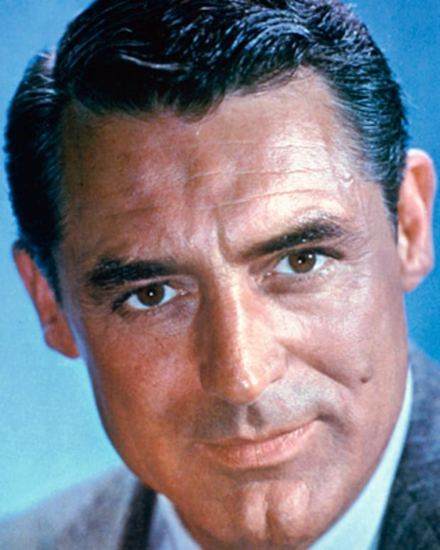 Cary-Grant-9318103-2-402