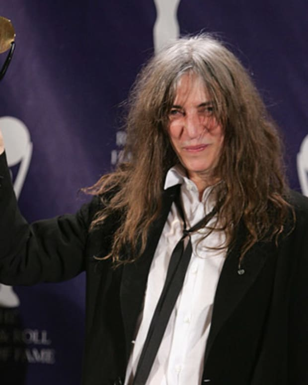 Patti-Smith-9487150-1-402