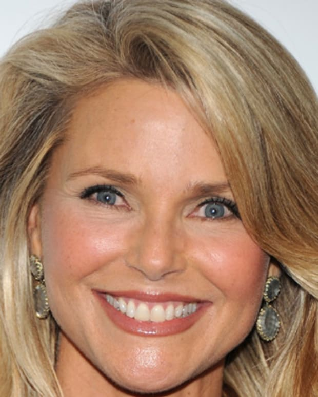Christie-Brinkley-9542462-2-402