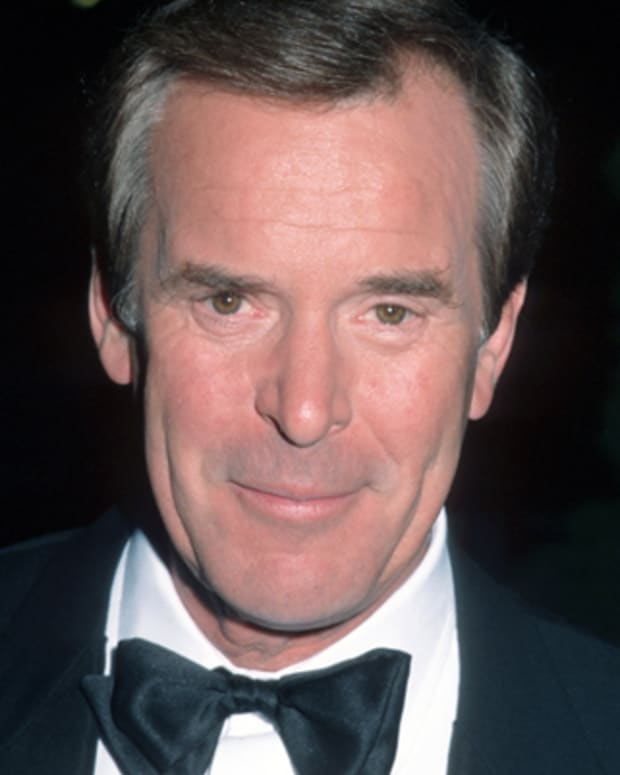 Peter-Jennings-14821326-1-402