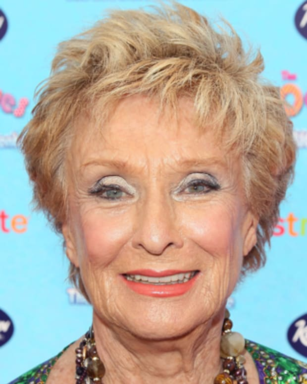 HOLLYWOOD, CA - AUGUST 19:  Actress Cloris Leachman attends the premiere of 'The Oogieloves in the Big Balloon Adventure' at Grauman's Chinese Theatre on August 19, 2012 in Hollywood, California.  (Photo by David Livingston/Getty Images)