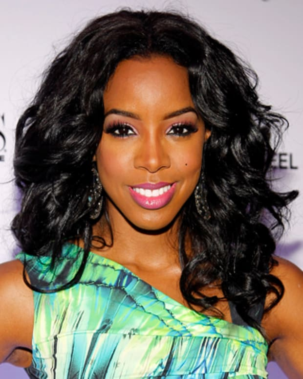 LAS VEGAS - JUNE 9:   Kelly Rowland arrives at VEGAS Magazine's 9th anniversary celebration at The Boulevard Pool at The Cosmopolitan of Las Vegas on June 9, 2012 in Las Vegas, Nevada.  (Photo by Isaac Brekken/WireImage)