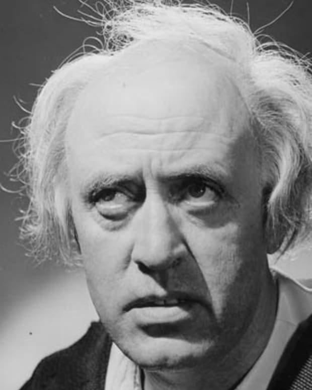 Alastair Sim (1900 - 1976) as Scrooge in the film of the same name, adapted from Charles Dickens' novel 'A Christmas Carol', directed by Brian Desmond Hurst and produced by Renown Pictures.   (Photo by Hulton Archive/Getty Images)