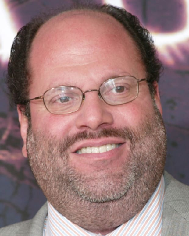 NEW YORK - JULY 26:  Producer Scott Rudin arrives at the New York film premiere of 'The Village' at Prospect Park July 26, 2004 in New York City. (Photo by Evan Agostini/Getty Images)  *** Local Caption *** Scott Rudin