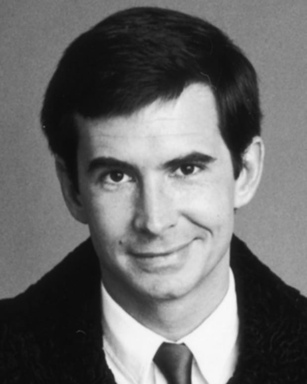 Anthony-Perkins-9437779-1-402