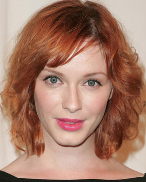Christina-Hendricks-17166486-1-402