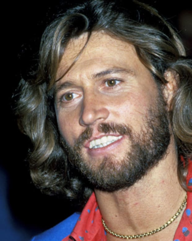 Barry-Gibb-20761655-1-402