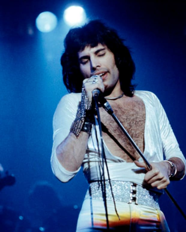 c7345c6ee763a9 Freddie Mercury s Most Iconic Moments  10 Photos of the Singer s ...