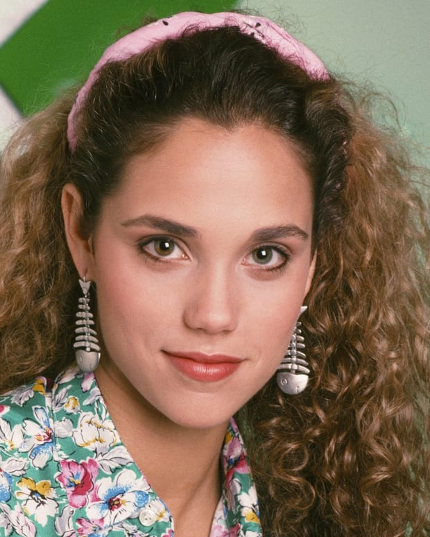 SAVED BY THE BELL -- Season 1 -- Pictured: Elizabeth Berkley as Jessie Spano -- Photo by: Alice S. Hall/NBCU Photo Bank