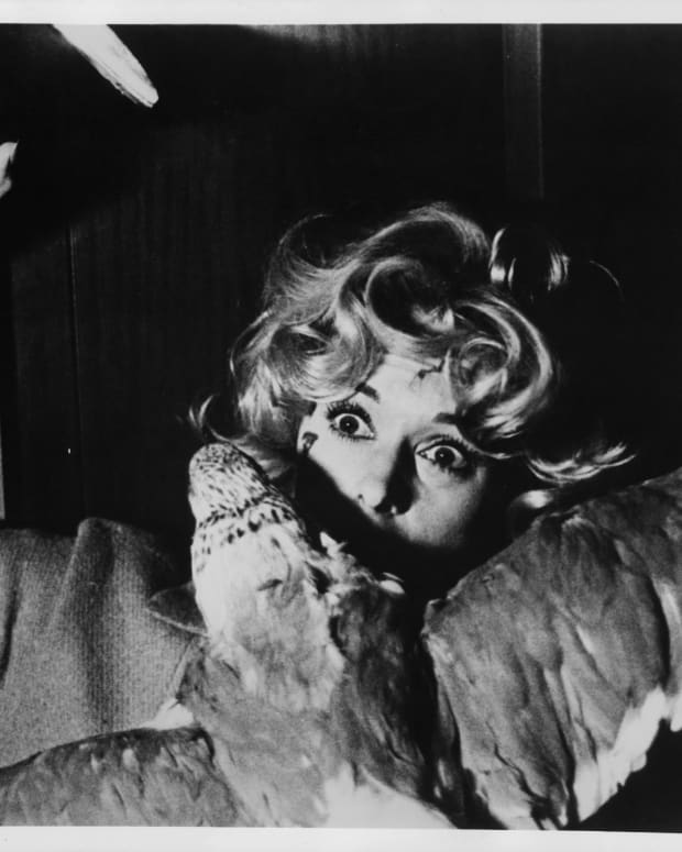Scream Queens: Tippi Hedren in The Birds (1963)