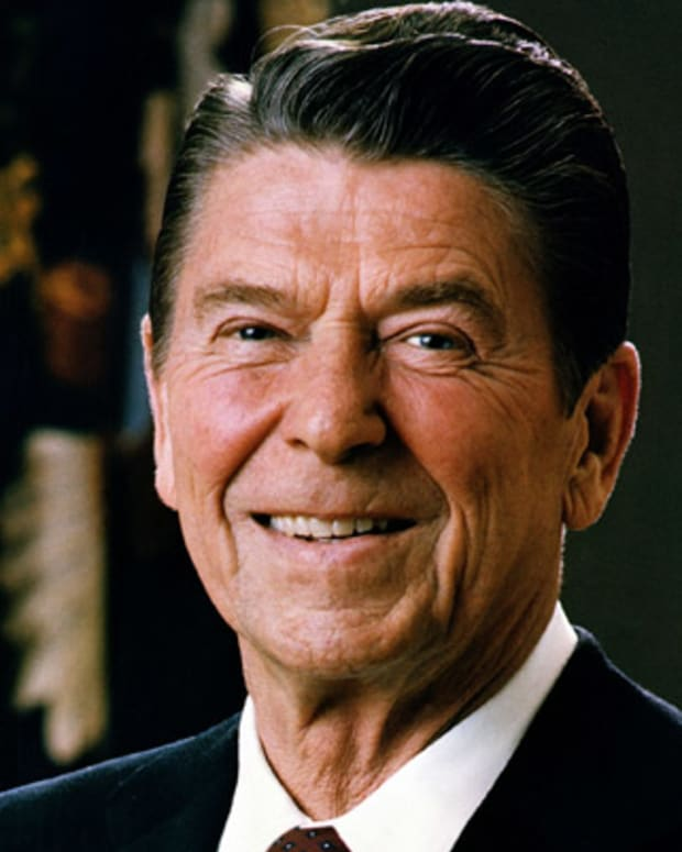 Ronald-Reagan-9453198-1-402