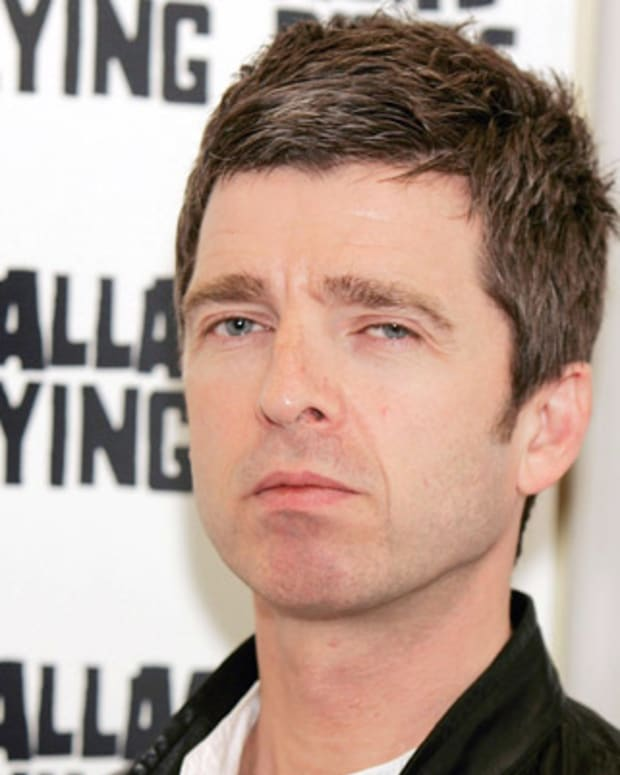 Noel-Gallagher-20883175-2-402
