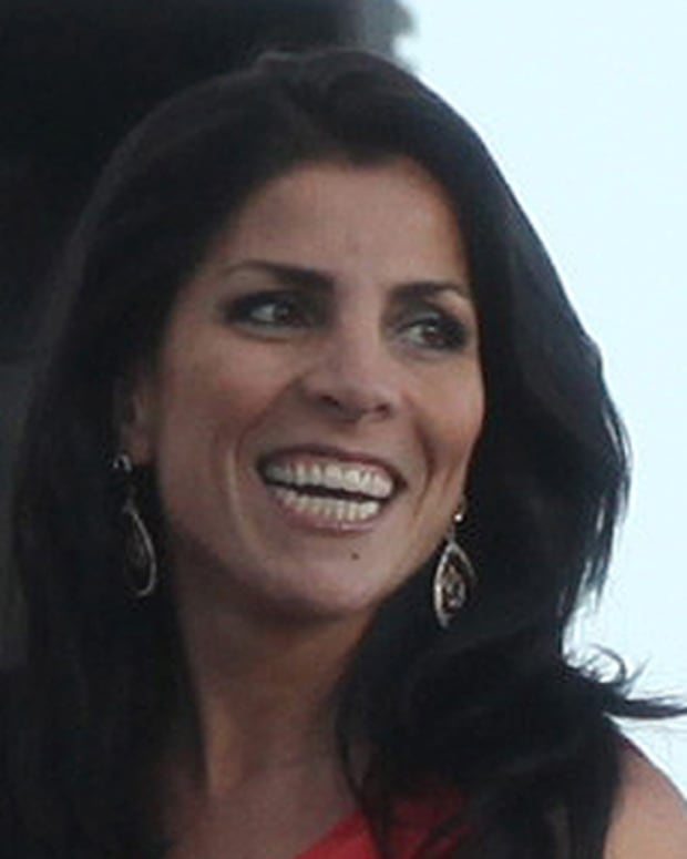 (EXCLUSIVE COVERAGE - PREMIUM RATES APPLY) Hours after being identified as the whistleblower in the Gen. David Petraeus scandal, Jill Kelley attends birthday gathering at her home in Tampa, Fla.(Photo by Bill Serne/NY Daily News via Getty Images)