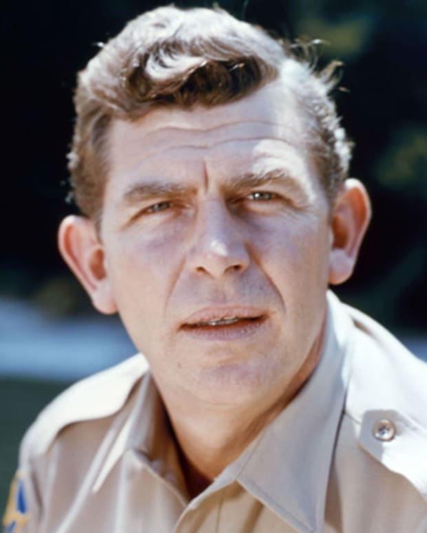 Andy Griffith, US actor and comedian, in uniform in a publicity portrait issued for the US television series, 'The Andy Griffith Show', USA, circa 1965. The sitcom starred Griffith as 'Sheriff Andy Taylor'. (Photo by Silver Screen Collection/Getty Images)