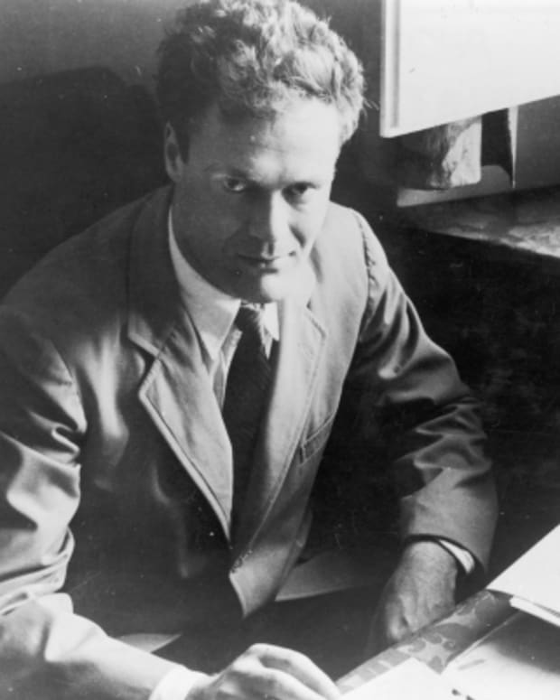 a biography of robert lowell the american poet Paul mariani's lost puritan: a life of robert lowell, is a just and readable portrait of the man he views as the poet-historian of our time, if not the last of our influential public poets,.