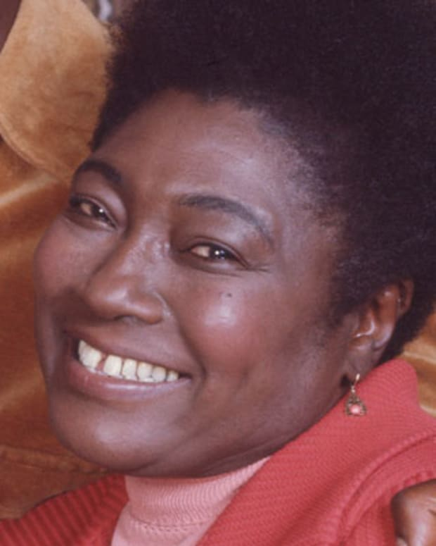 Esther-Rolle-222421-2-402