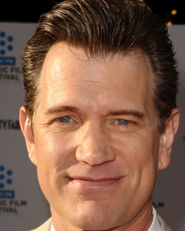 Chris-Isaak-285948-1-402