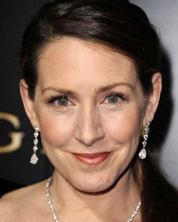 Joely-Fisher-17181748-1-402