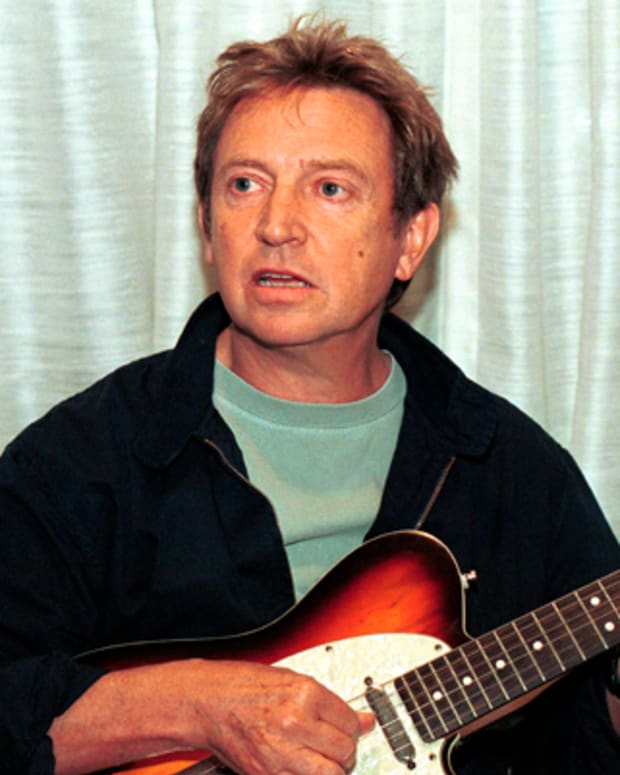 AUSTRALIA - JANUARY 01:  Photo of Andy SUMMERS  (Photo by Bob King/Redferns)