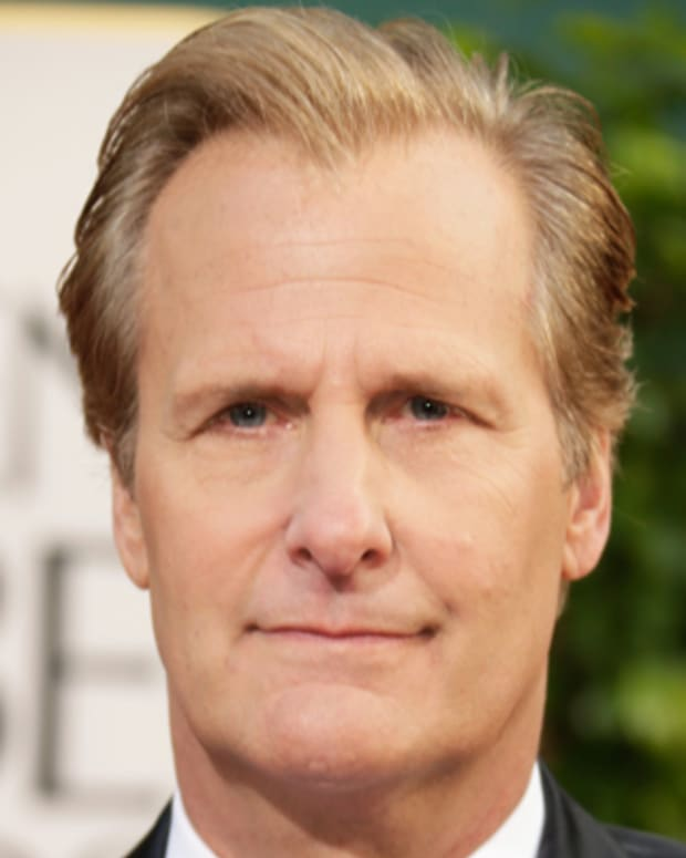 BEVERLY HILLS, CA - JANUARY 13:  Actor Jeff Daniels arrives at the 70th Annual Golden Globe Awards held at The Beverly Hilton Hotel on January 13, 2013 in Beverly Hills, California.  (Photo by Jeff Vespa/WireImage)