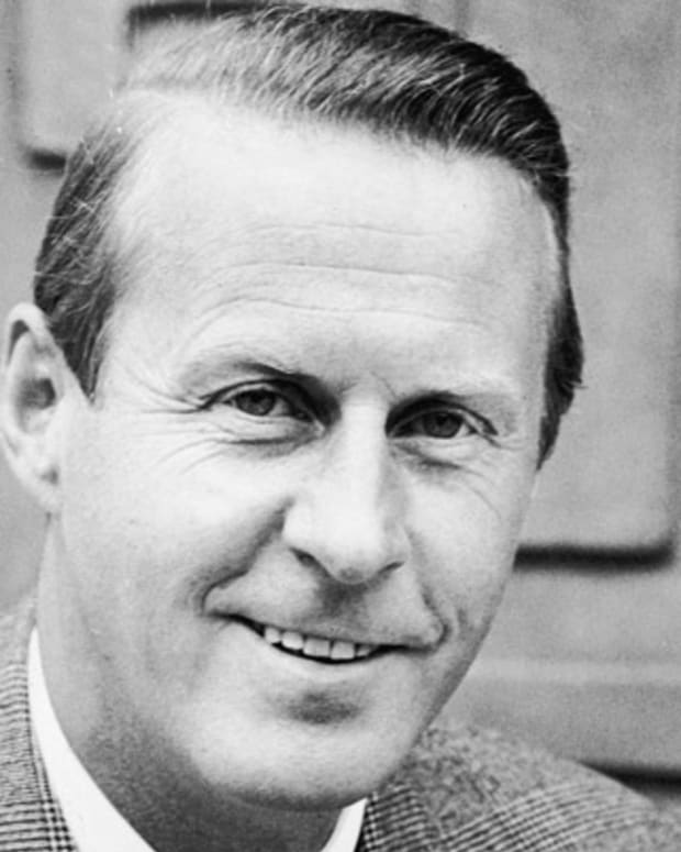 404153 01: Norwegian explorer and anthropologist Thor Heyerdahl poses for a portrait in the 1960s. Heyerdahl, who detailed his 101-day voyage across the Pacific on a balsa log raft in the book Kon-Tiki, died April 18, 2002 at the age of 87. (Photo by Getty Images)