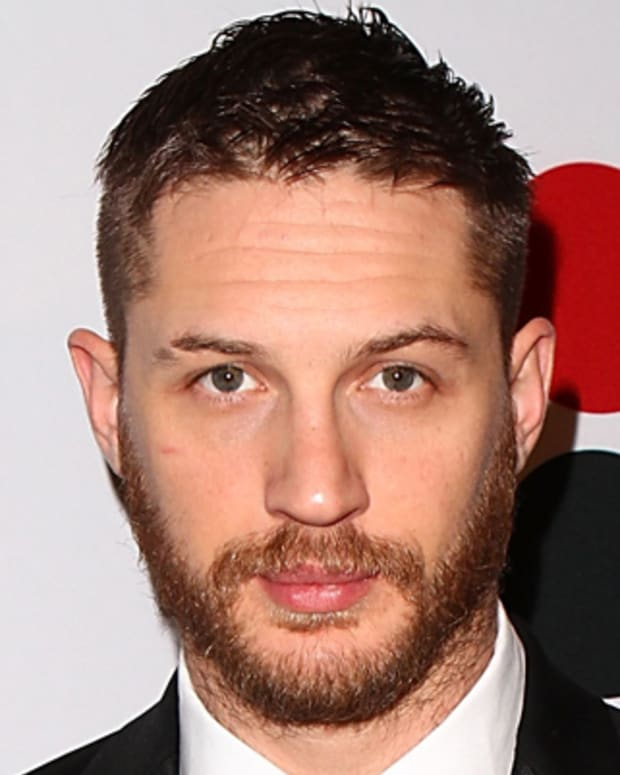 BEVERLY HILLS, CA - FEBRUARY 01:  Actor Tom Hardy arrives to the 9th Annual VES Awards - Red Carpet at The Beverly Hilton hotel on February 1, 2011 in Beverly Hills, California.  (Photo by Joe Scarnici/Getty Images for VES) *** Local Caption *** Tom Hardy