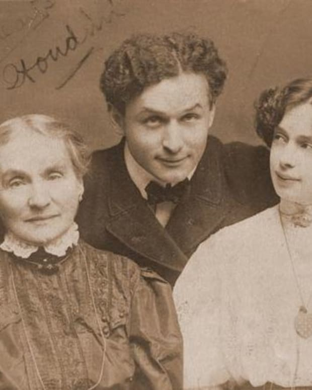Houdini Wife & Mother Photo